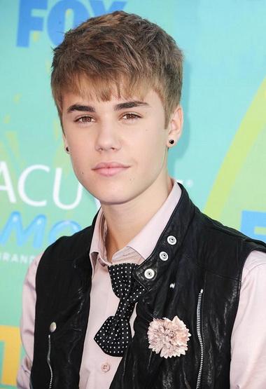 Джастин Бибер снова привлек внимание на Teen Choice Awards