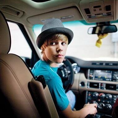Джастин Бибер за рулем