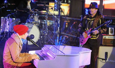 Джастин Бибер споет с Карлосом Сонтана