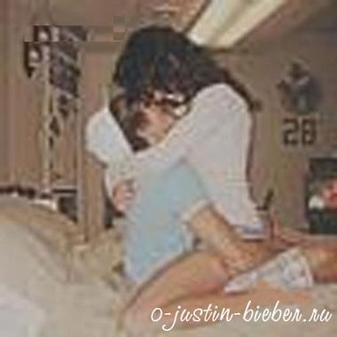 Джастин Бибер и Селена Гомес в постели